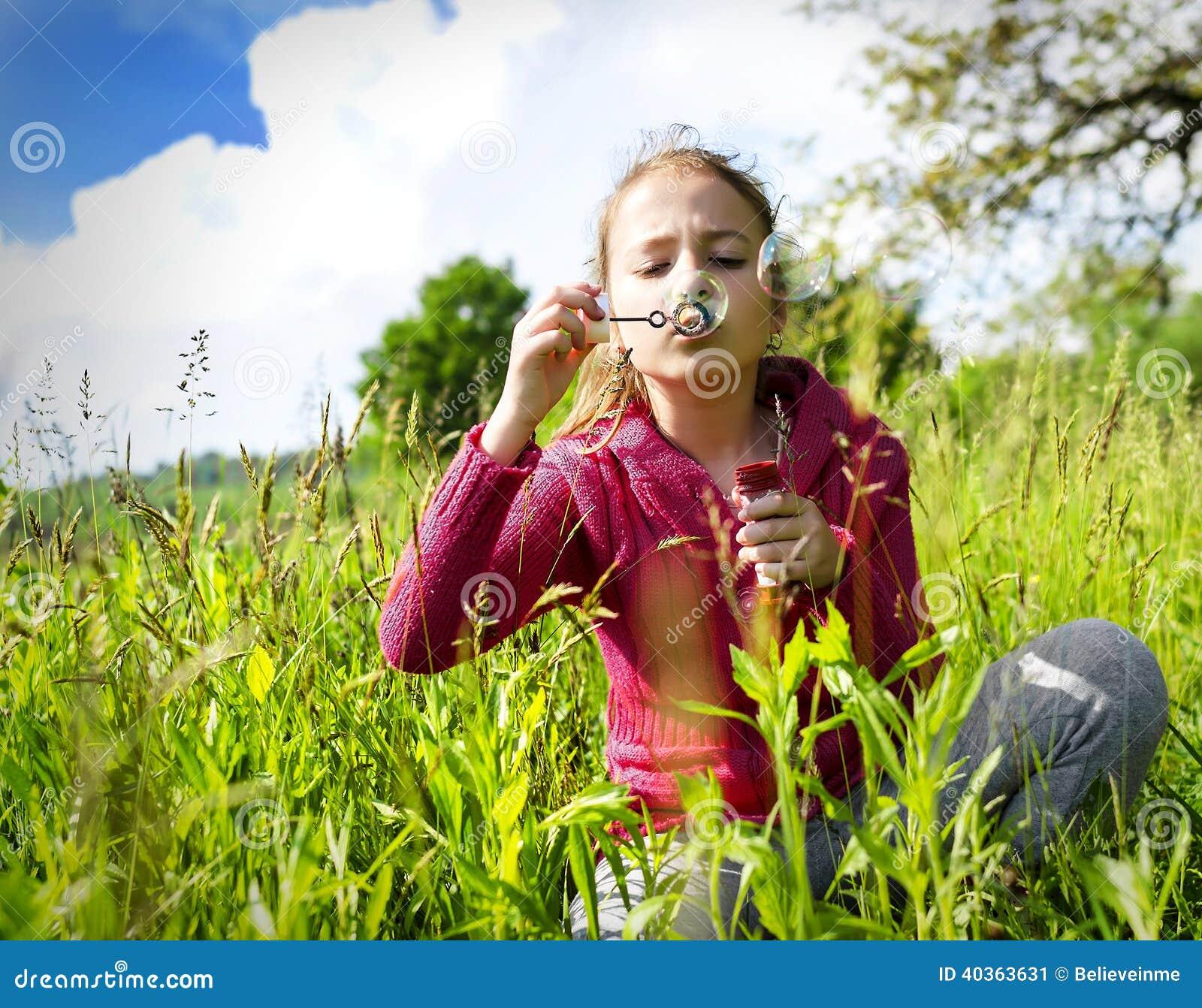 Startande såpbubblor för barn