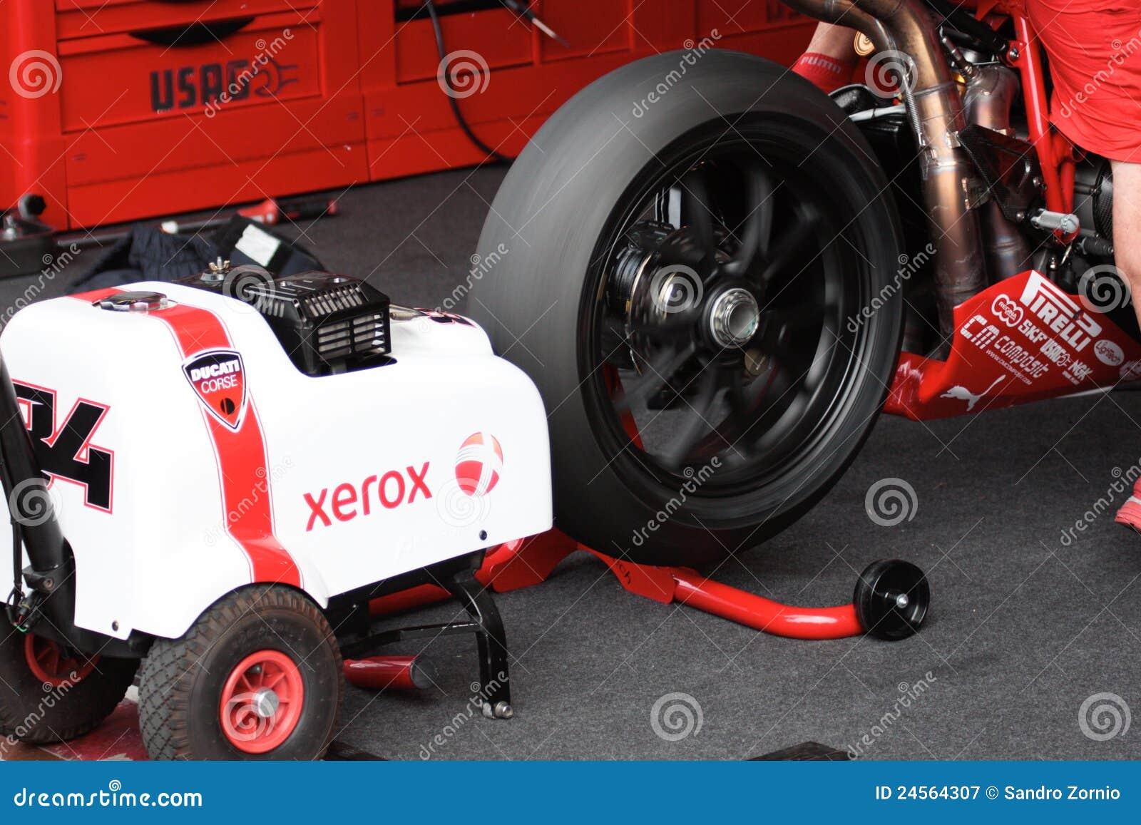 Starting Engine Ducati 1998 Xerox team
