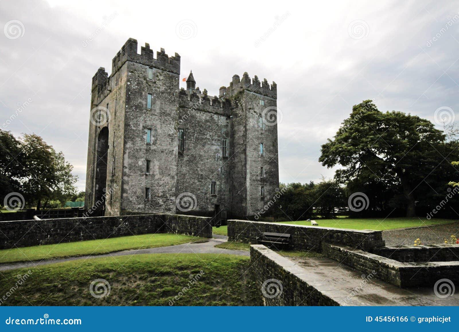 Stary Bunratty kasztel, Irlandia