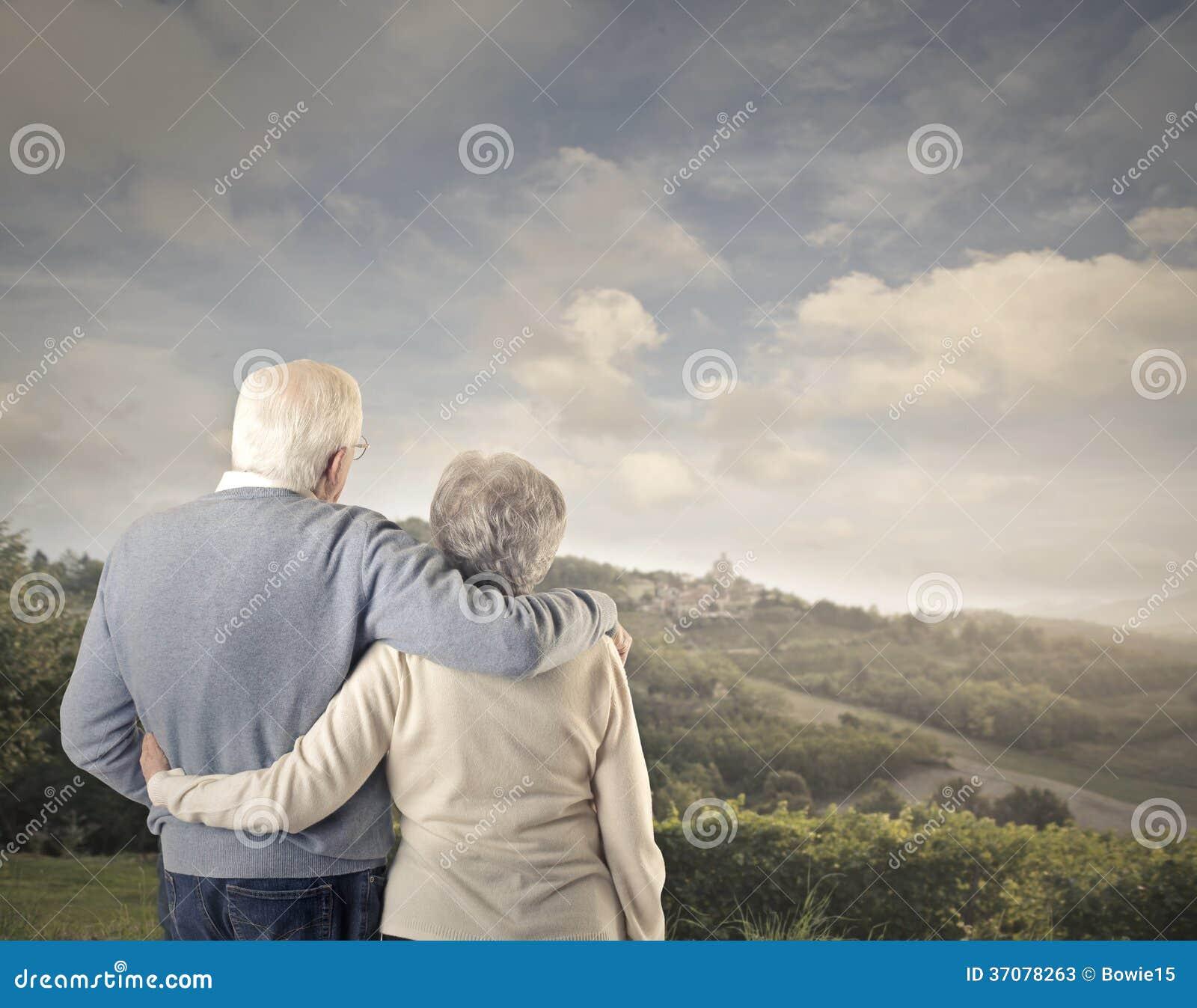 Download Stary Człowiek Wpólnie I Stara Kobieta Obraz Stock - Obraz złożonej z światło, valentine: 37078263