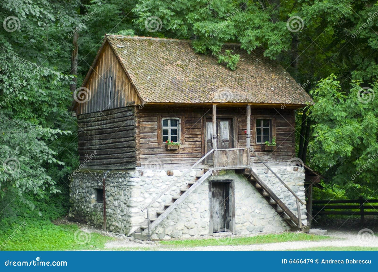 Stary dom na wsi