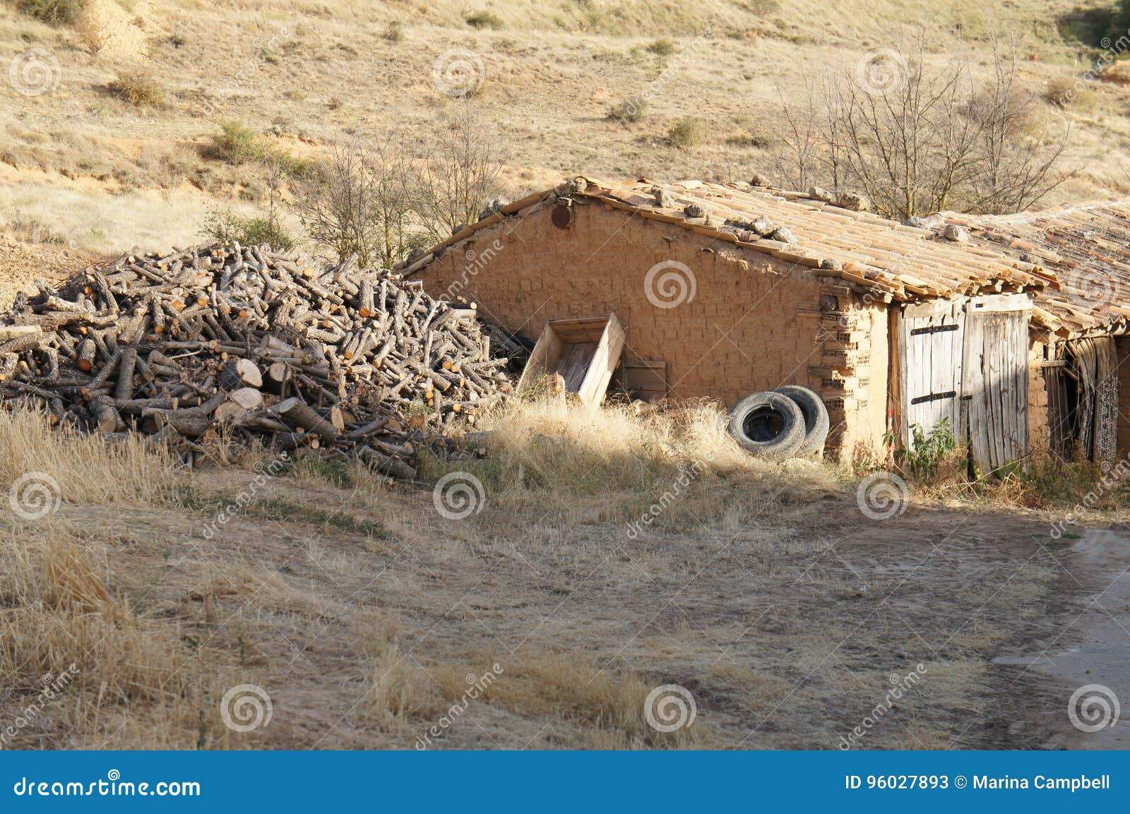 Stary dom w Hiszpańskiej wiosce