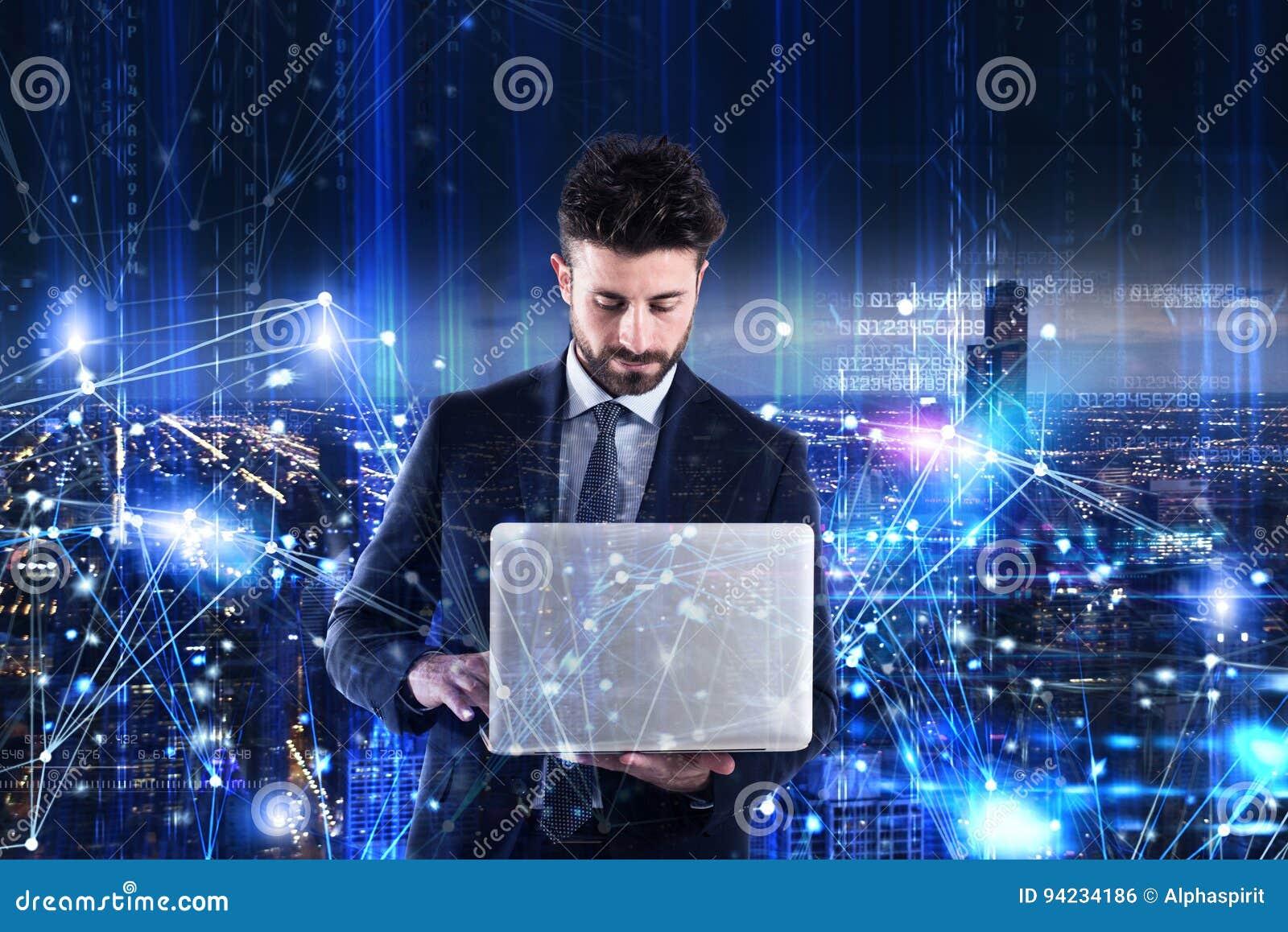 Stary działanie laptopa Pojęcie oprogramowanie analiza