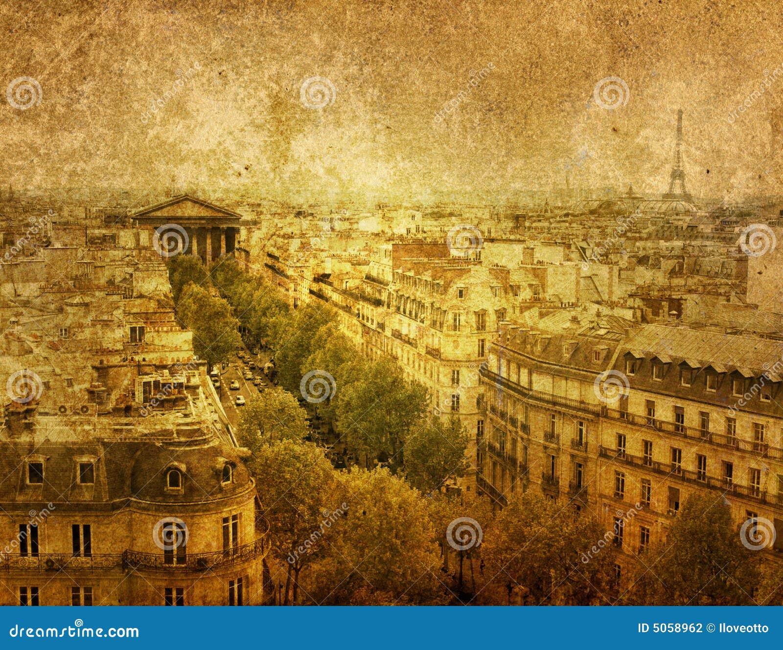 Stary fasonujący Paryża