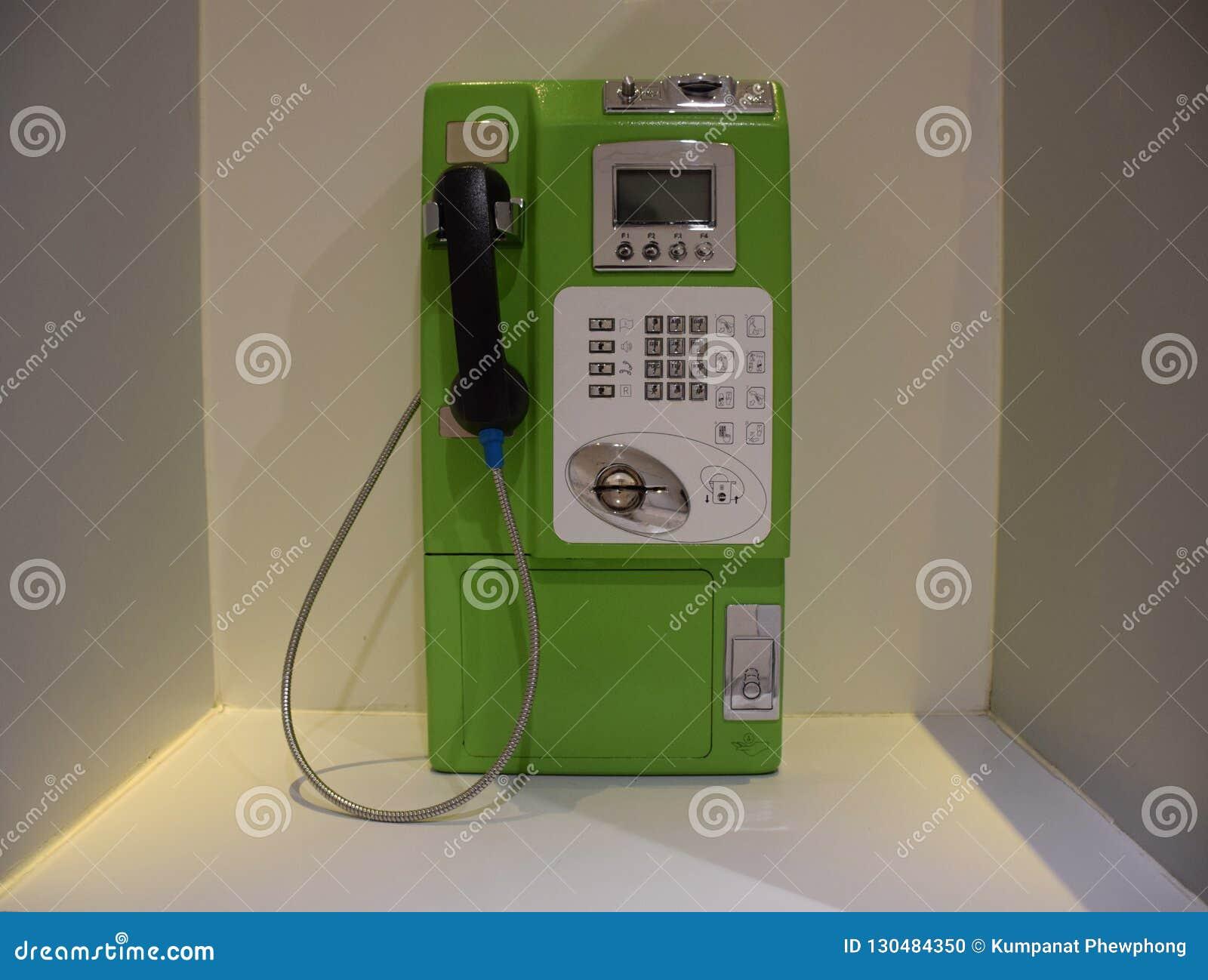 Stary jawny telefon zamknięty w górę Tajlandia w