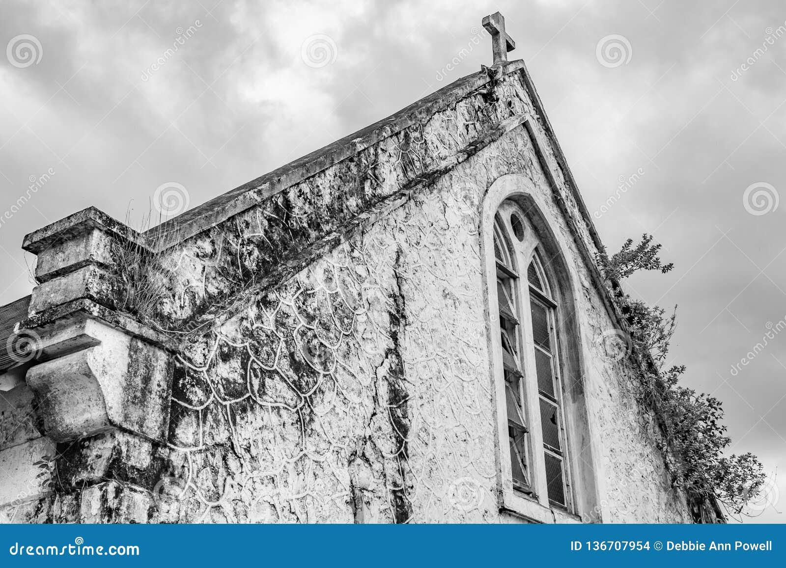 Stary kościół anglikański w wiejskim Jamajka