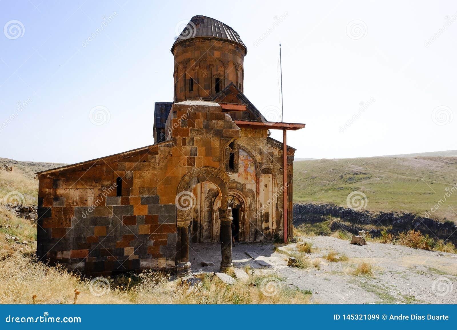 Stary kościół w ruinach Ani, Turcja
