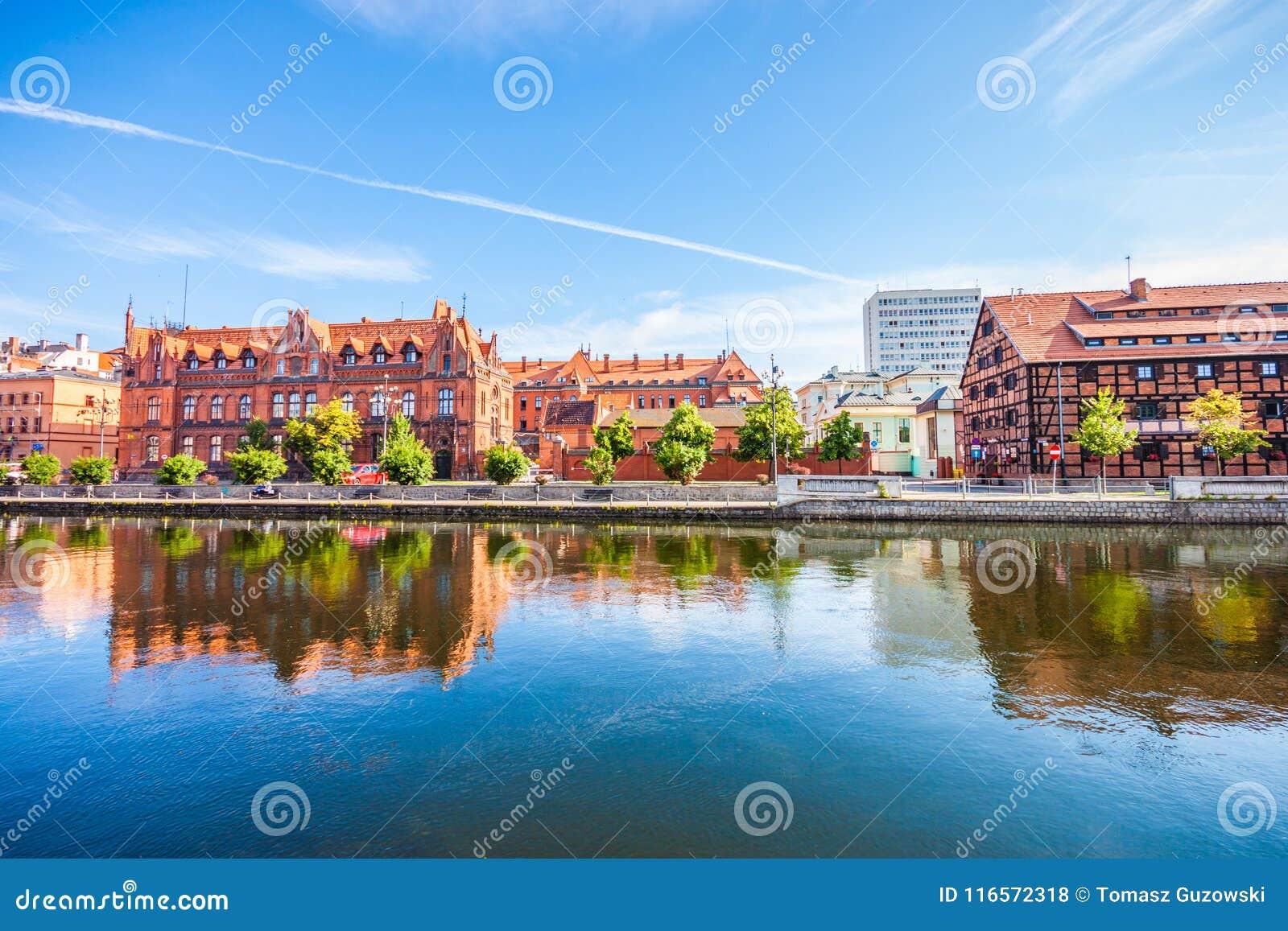 Stary miasteczko i świrony Brda rzeką Bydgoski
