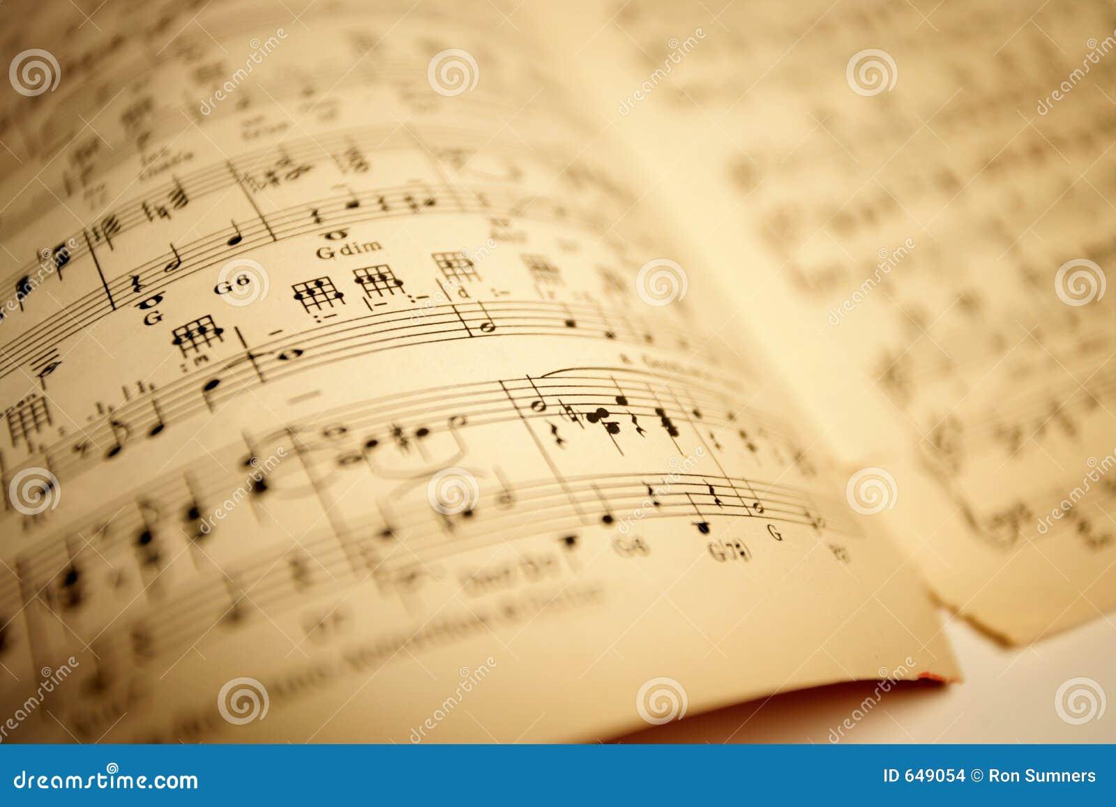 Stary muzyczny opończy