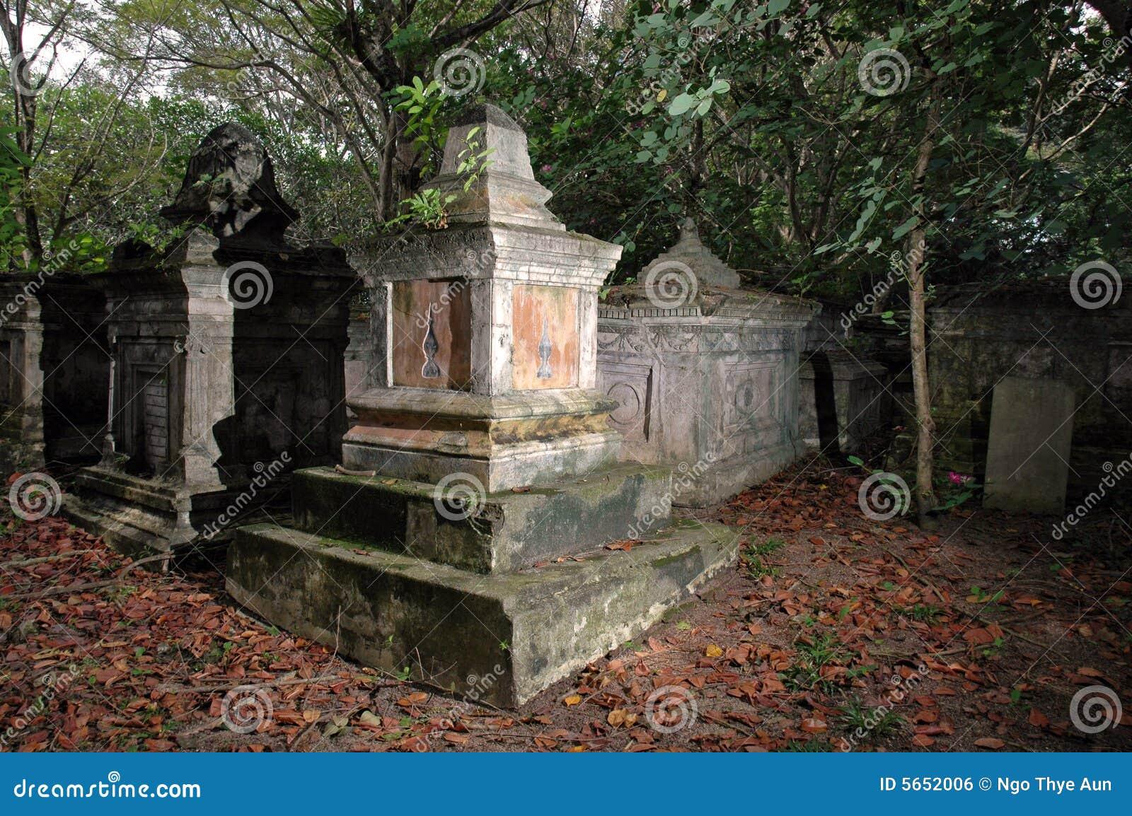 Stary na grób