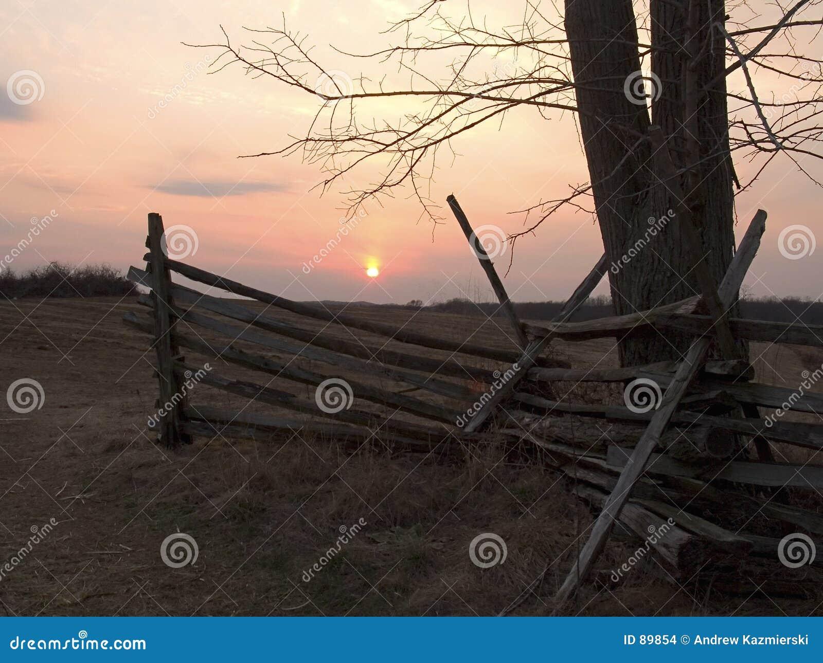 Stary płotu słońca