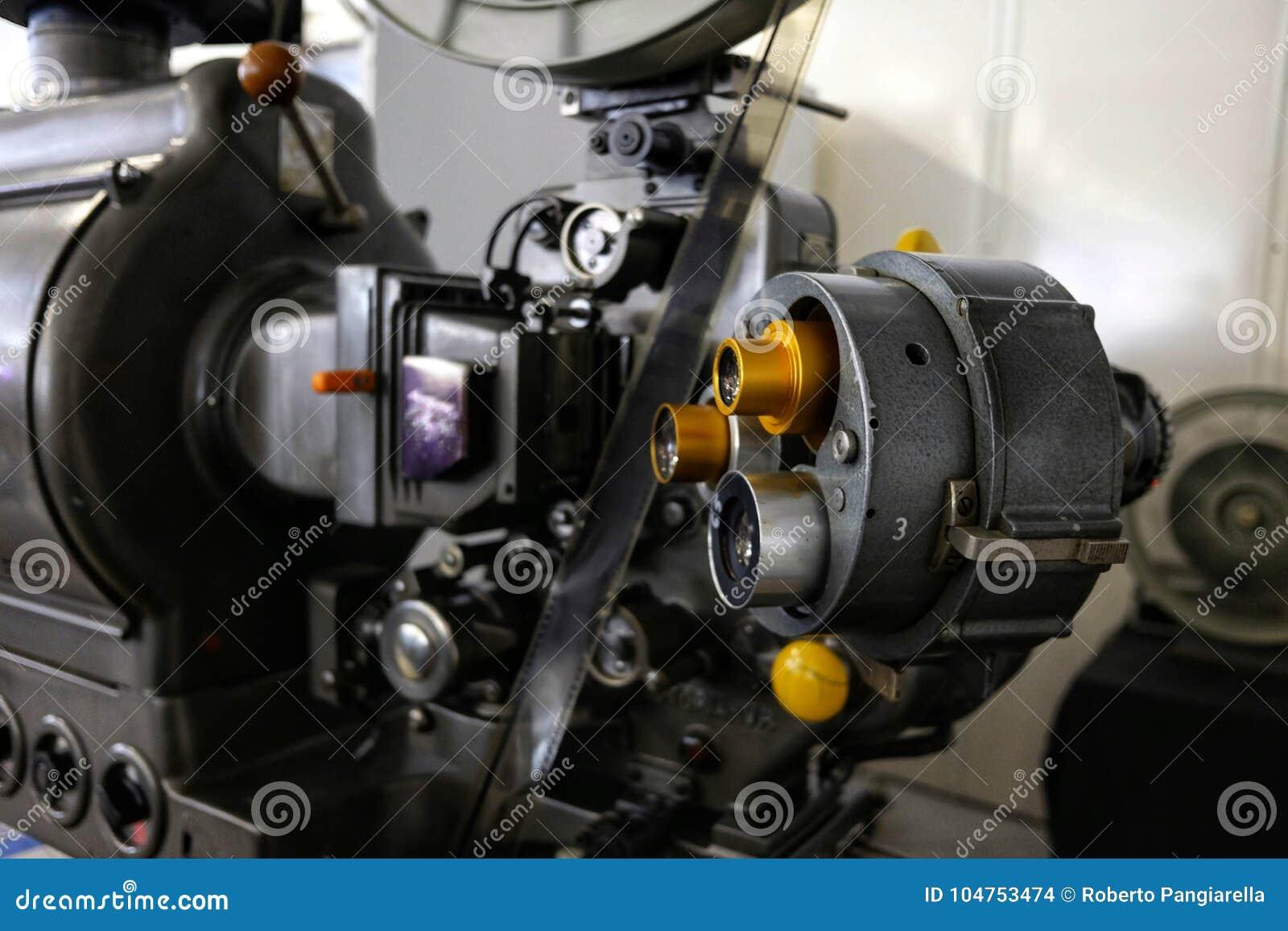 Stary projektor filmowy