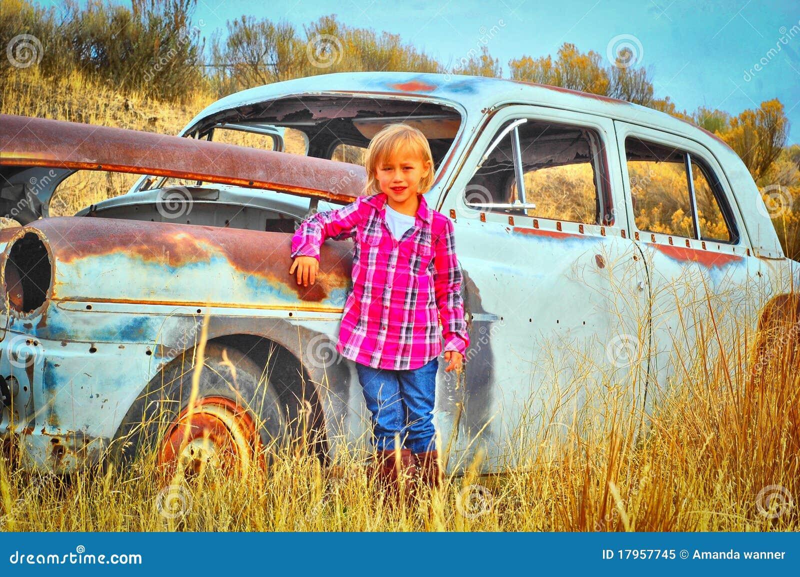 Stary samochodowy dziecko