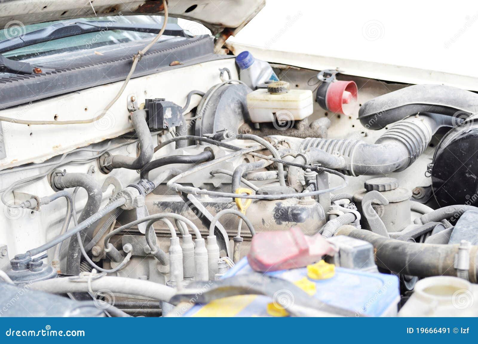 Stary samochodowy silnik