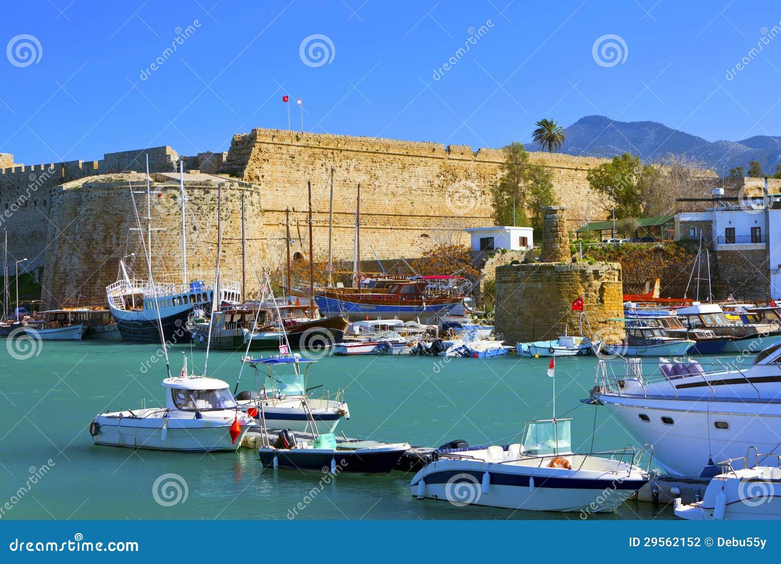 Stary schronienie w Cypr.