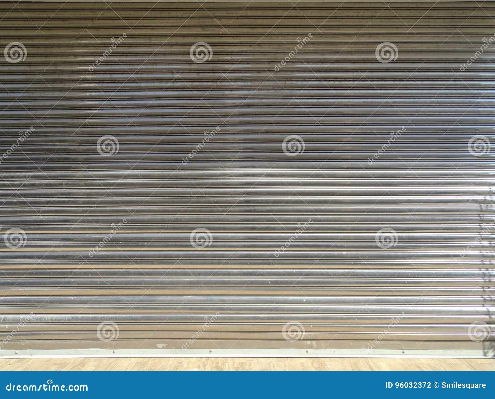 Stary toczny stalowy drzwi dla tła