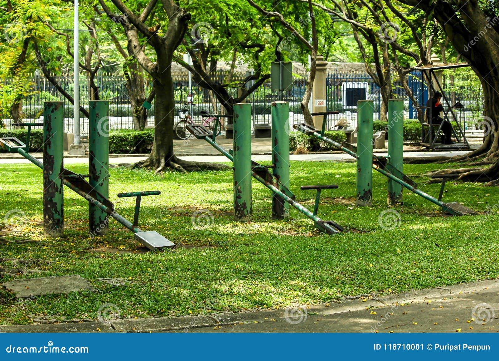 Stary Zielony Seesaw parka adres