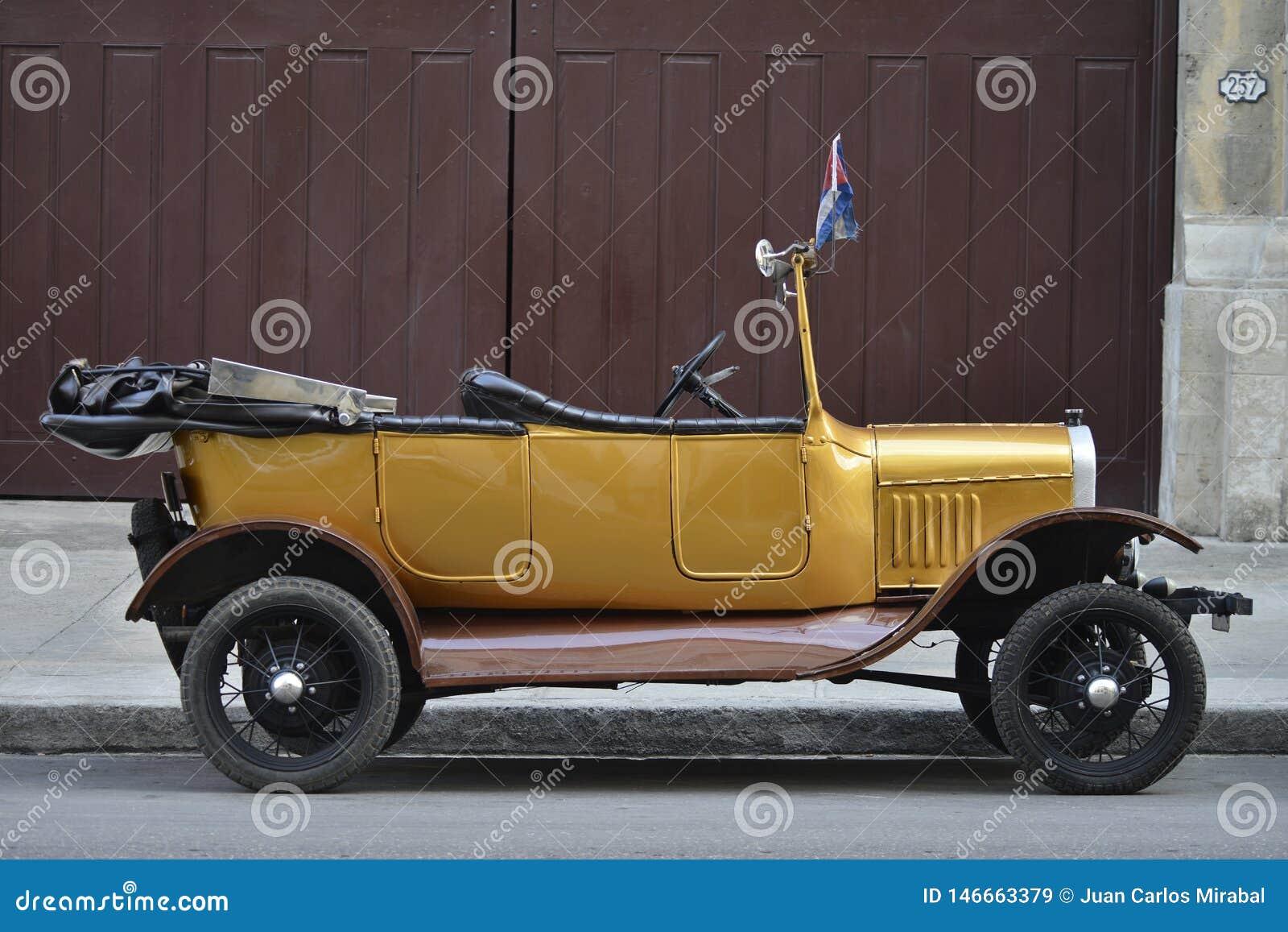 Starzy samochody w Nowym Kuba