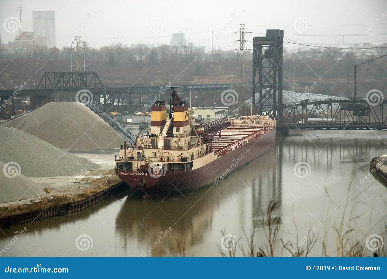 Download Statek. obraz stock. Obraz złożonej z łódź, woda, transport - 42819