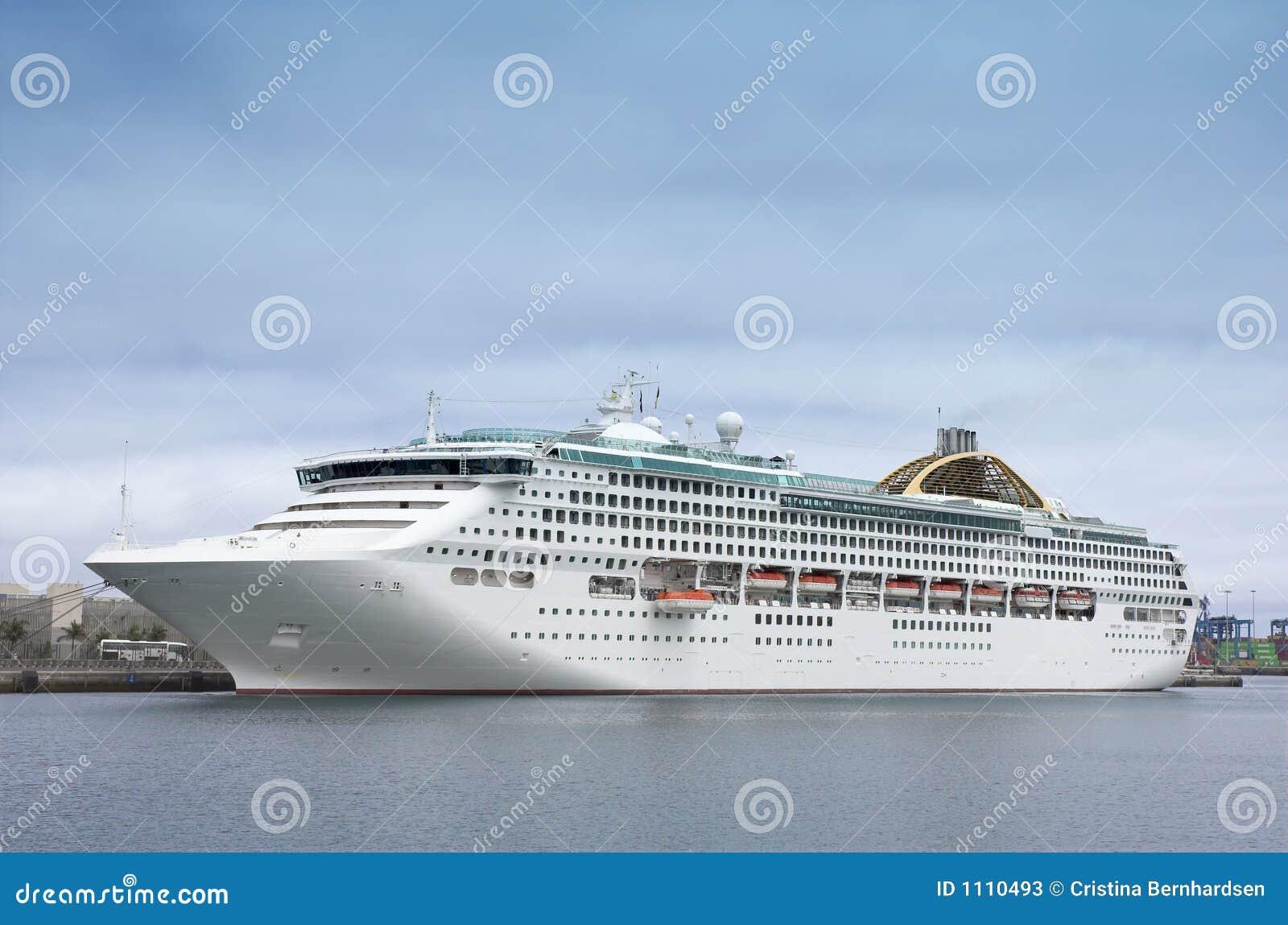 Statek wycieczkowy