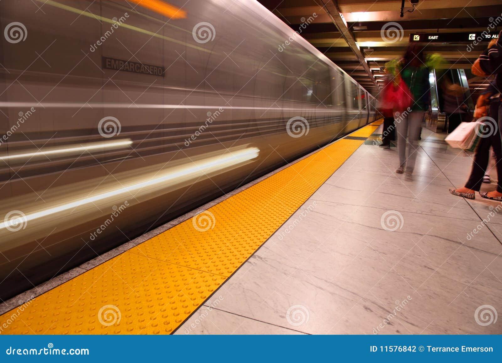 Station de métro d Embarcadero