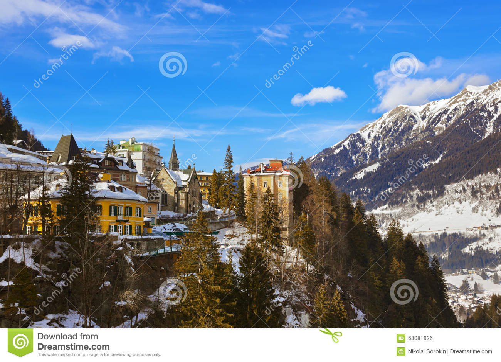 Download Station De Sports D'hiver De Montagnes Mauvais Gastein Autriche Photo stock - Image du vacances, église: 63081626