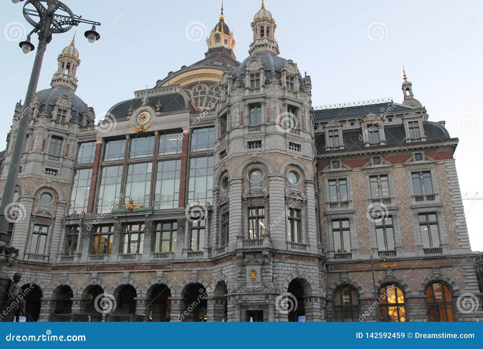 Station de train à Anvers
