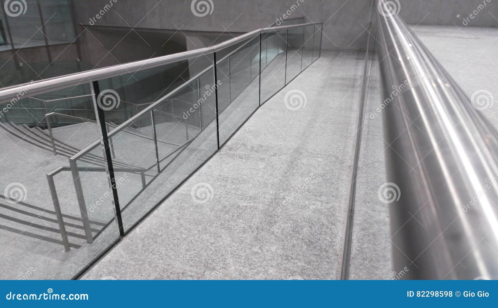 Station handrail