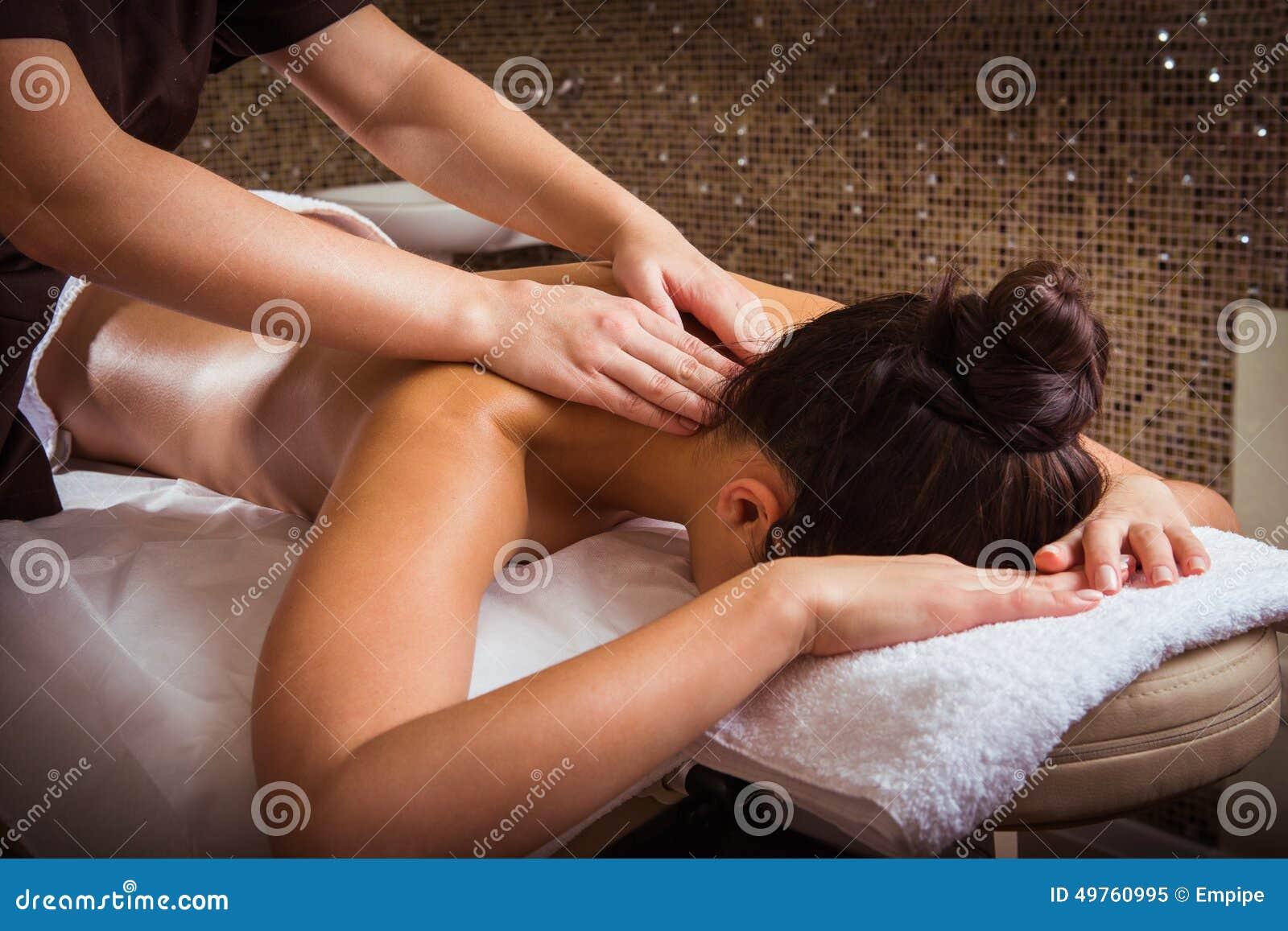 Station thermale, massage