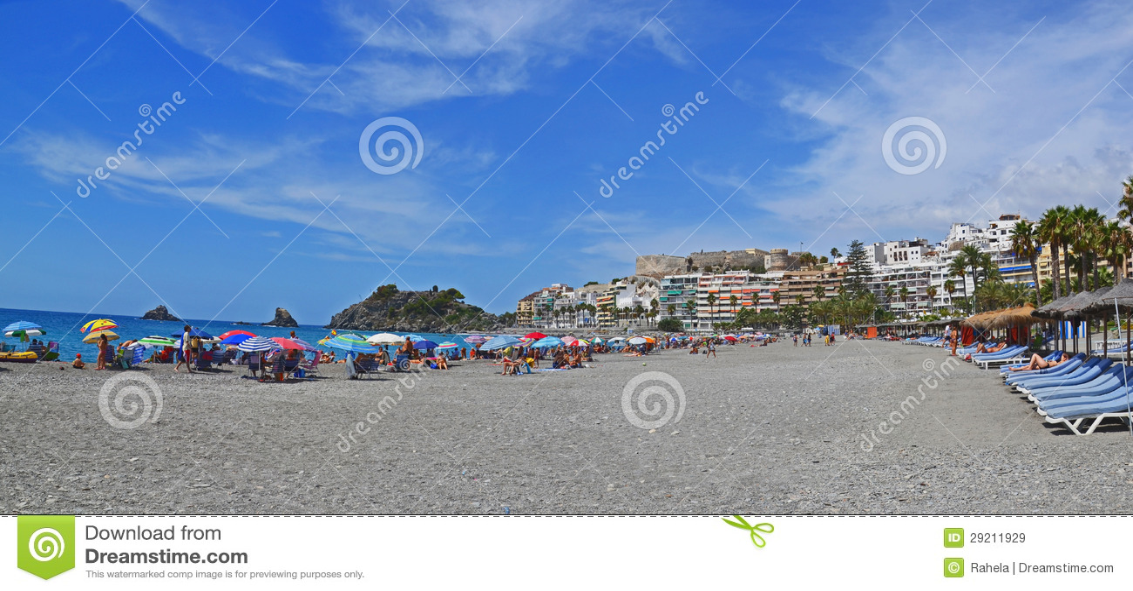 Station touristique Almunecar de bord de la mer en Espagne, panorama