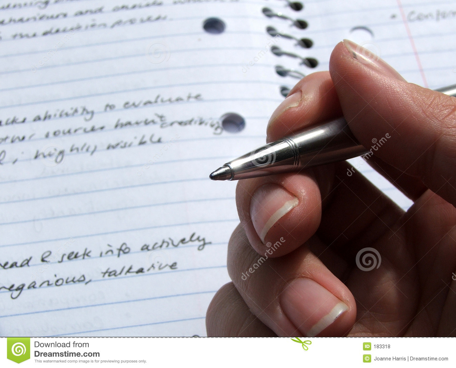 Stationnaire - crayon lecteur jugé disponible
