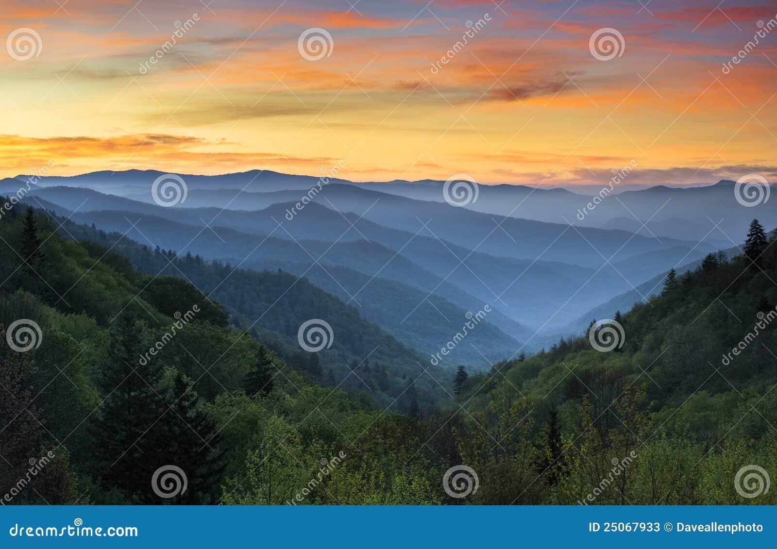 Stationnement national grand de montagnes fumeuses de lever de soleil