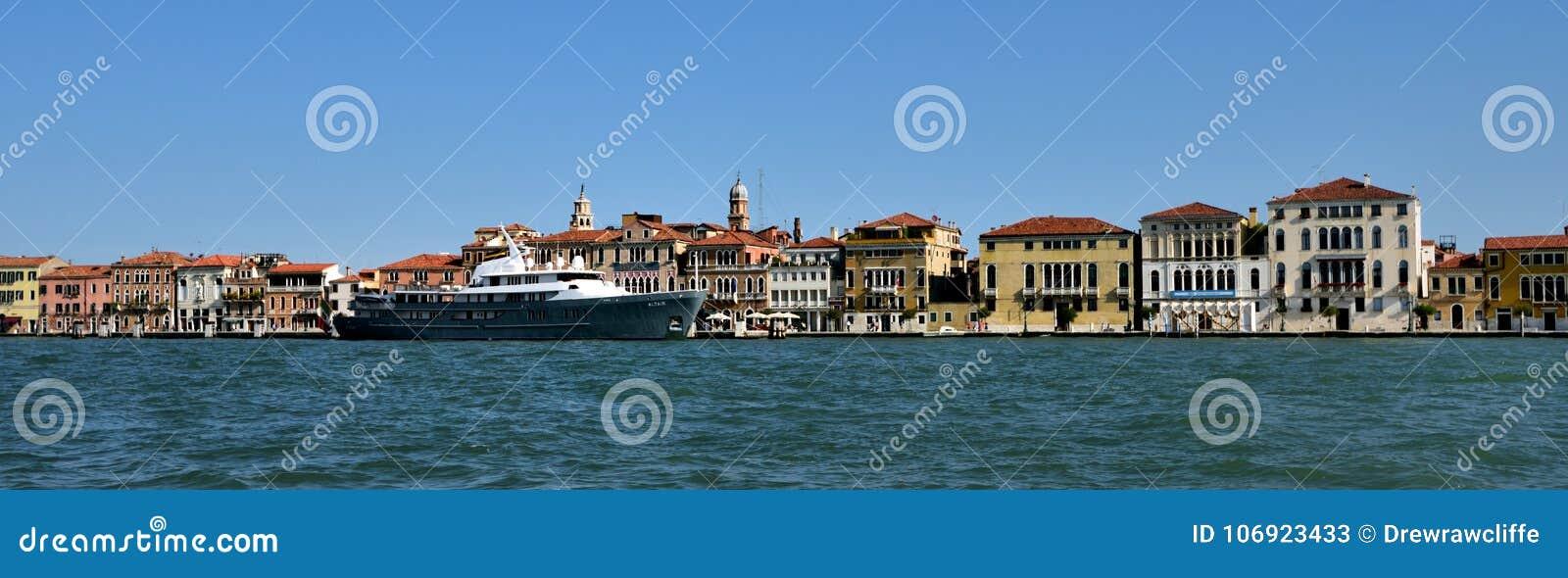 Statki i wodny przód Wenecja