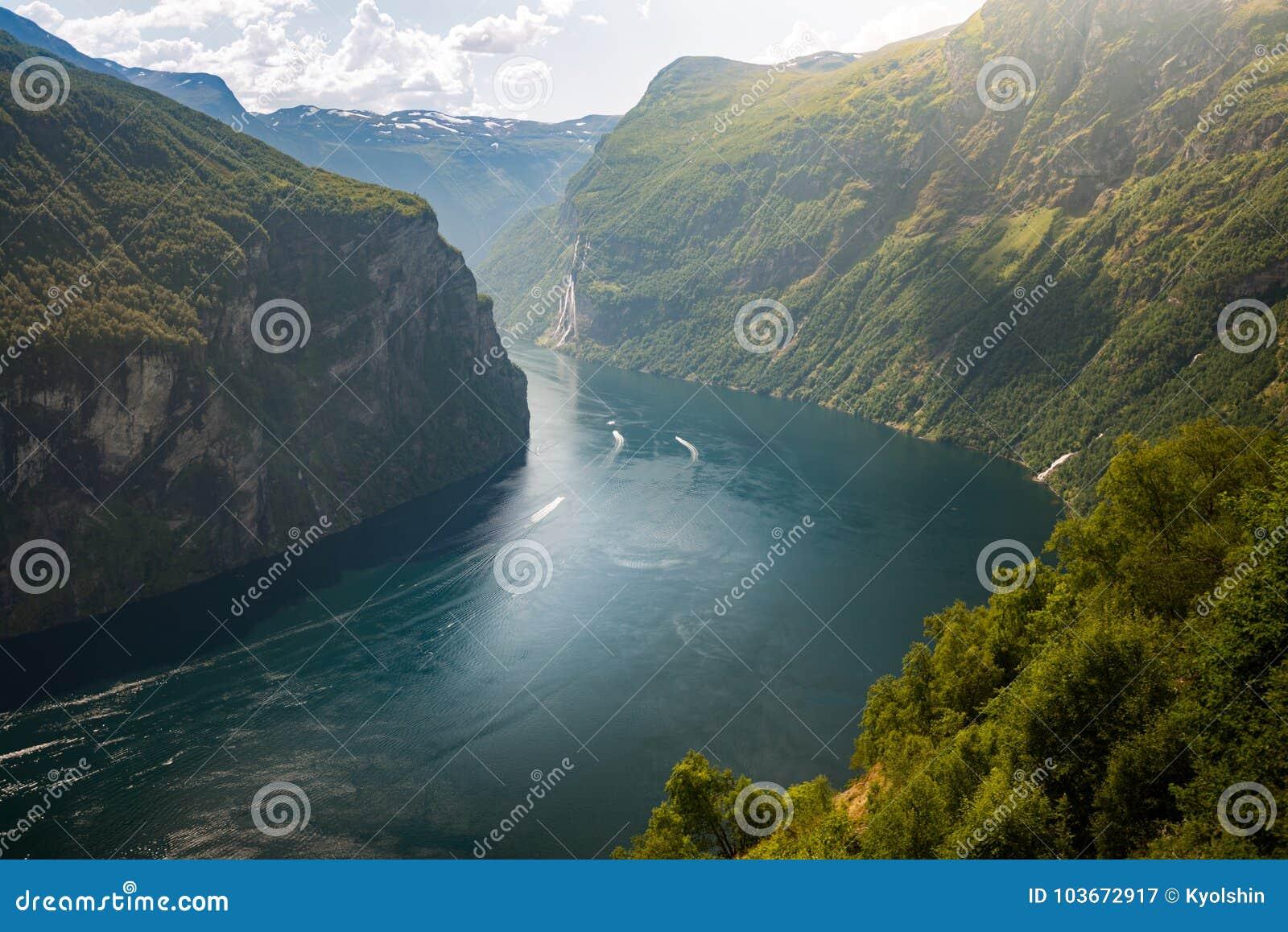 Statki Wewnątrz Nawadniają Fiord, Norwegia, Europa Obraz Stock - Obraz  złożonej z fiord, statki: 103672917