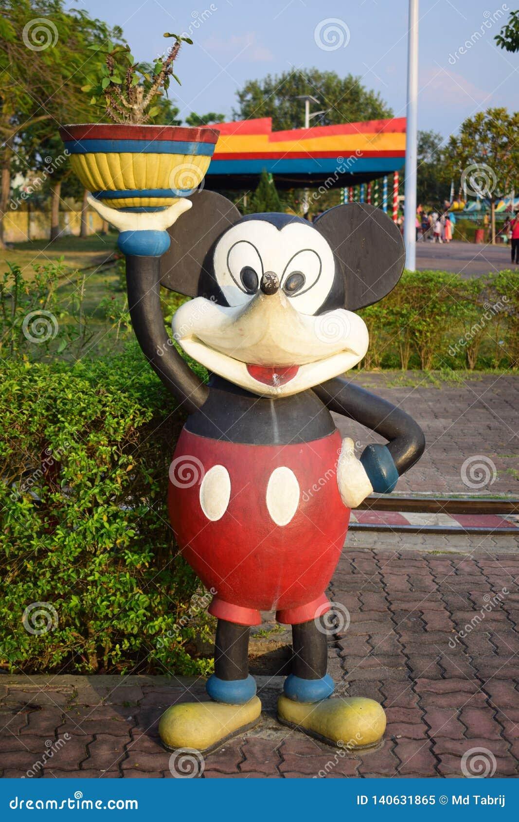 Statua av mickeymusen