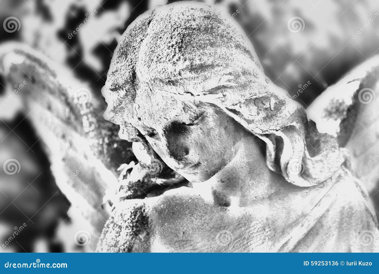 Statua Di Angelo Disegno In Bianco E Nero Stilizzato Fotografia