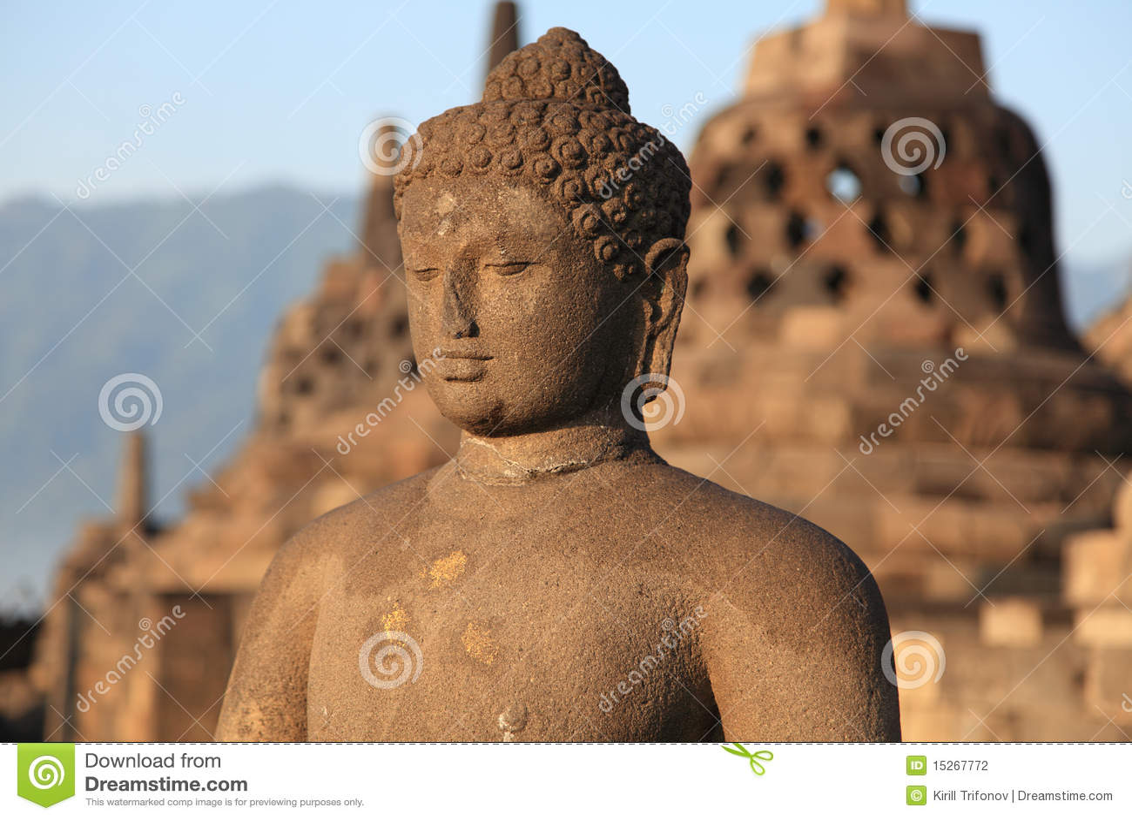 Statua di Buddha in tempiale di Borobudur
