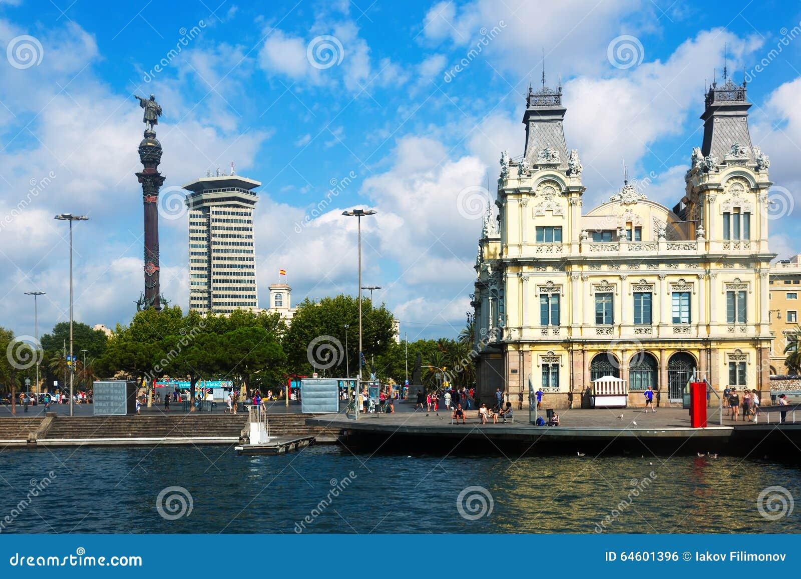 Statua di Columbus a porto Vell a Barcellona
