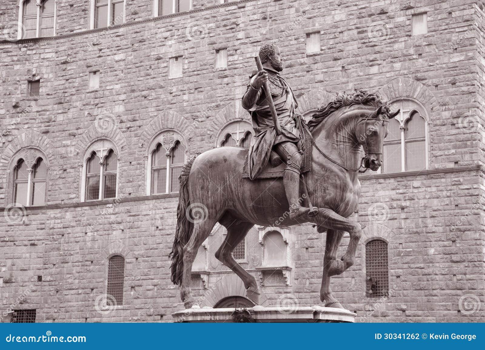 Statua di Cosimo I de Medici Equestrian da Giambologna, Firenze