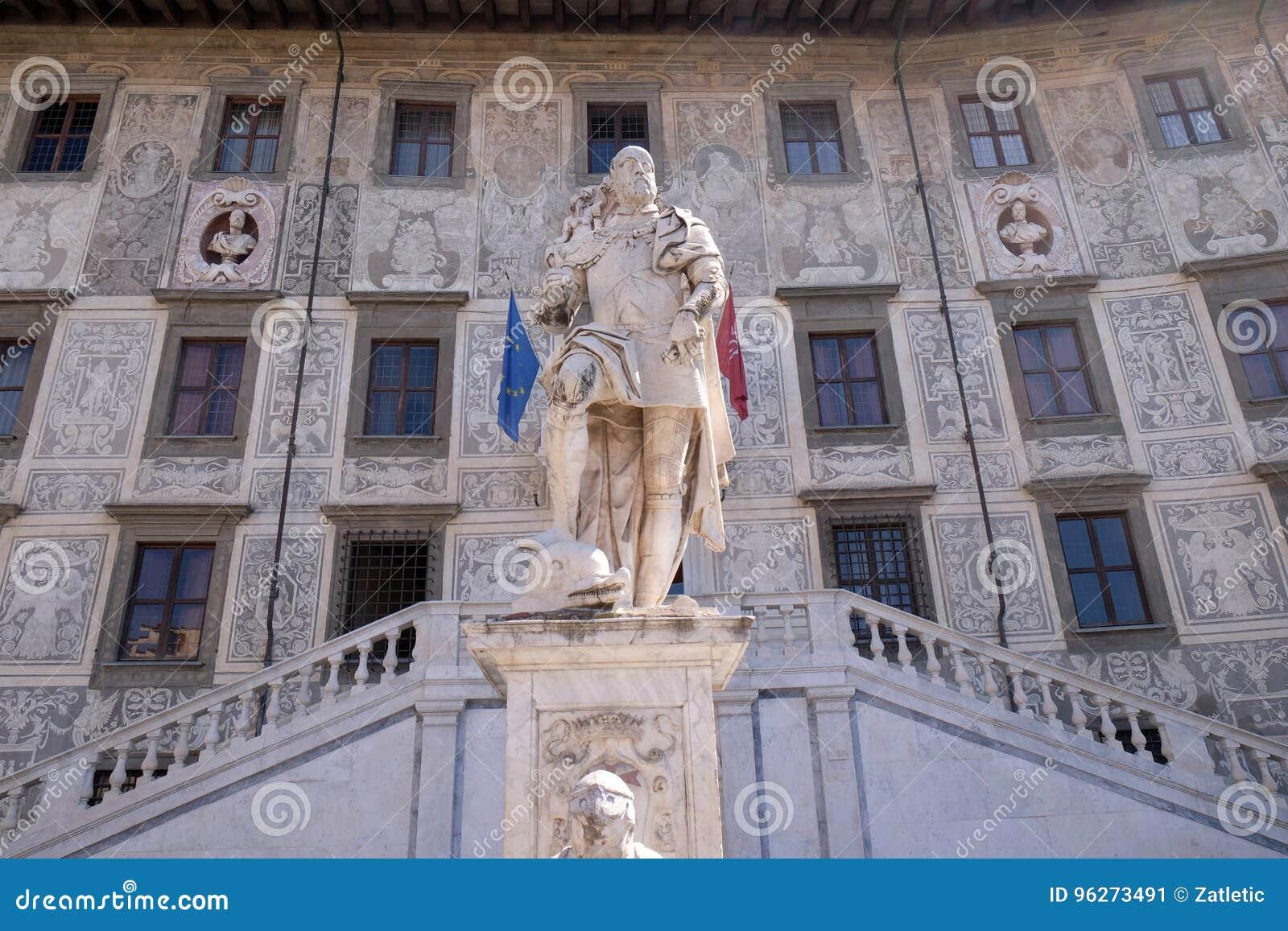 Statua di Cosimo I de Medici, granduca della Toscana a Pisa