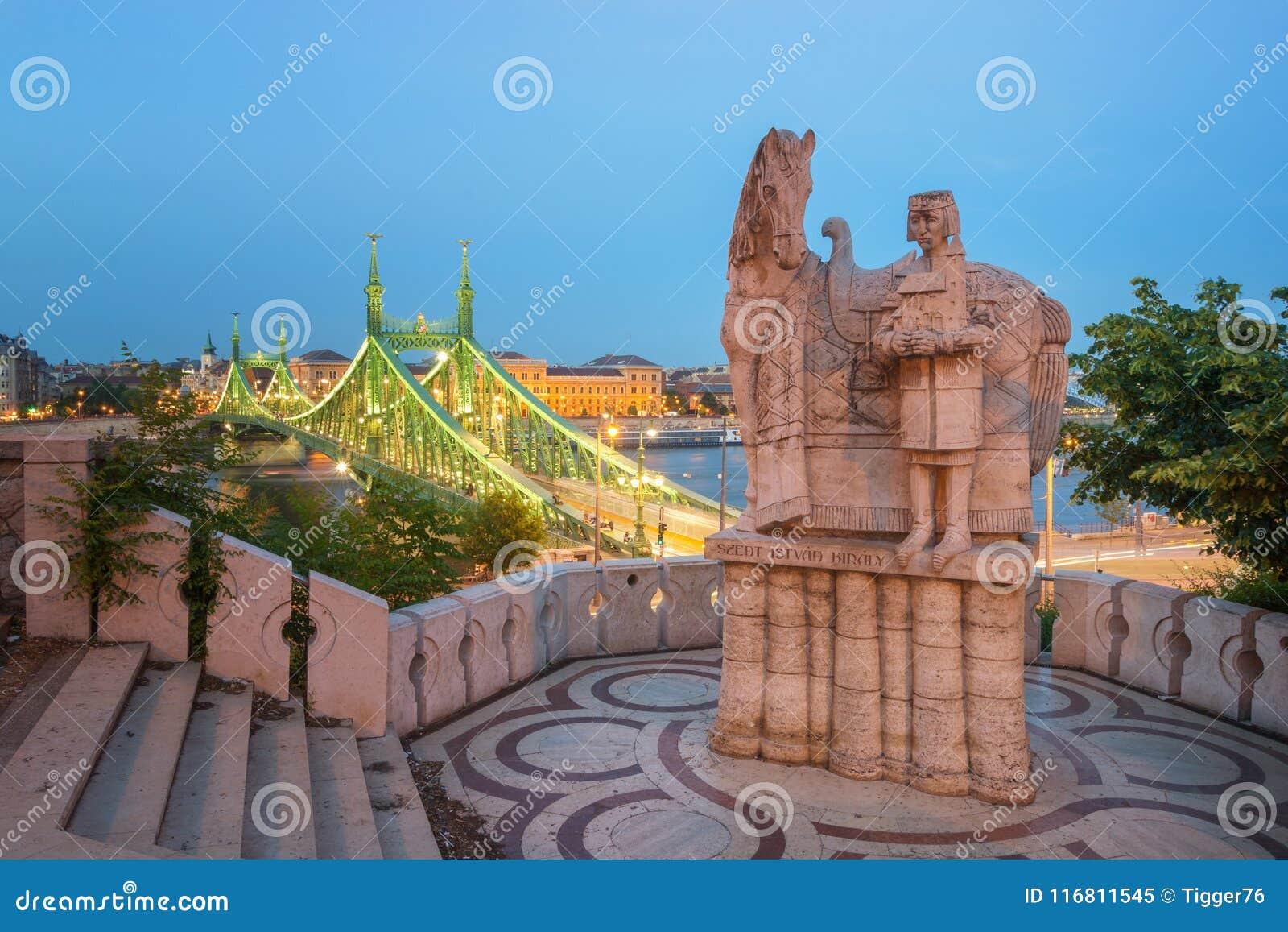 Statua di Stefano I alla collina di Gellert