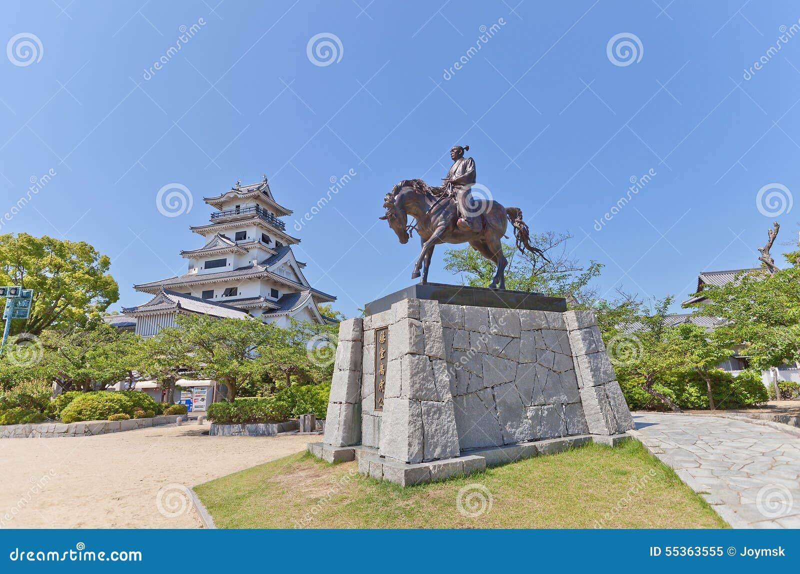 Statua di Todo Takatora nel castello di Imabari, Giappone
