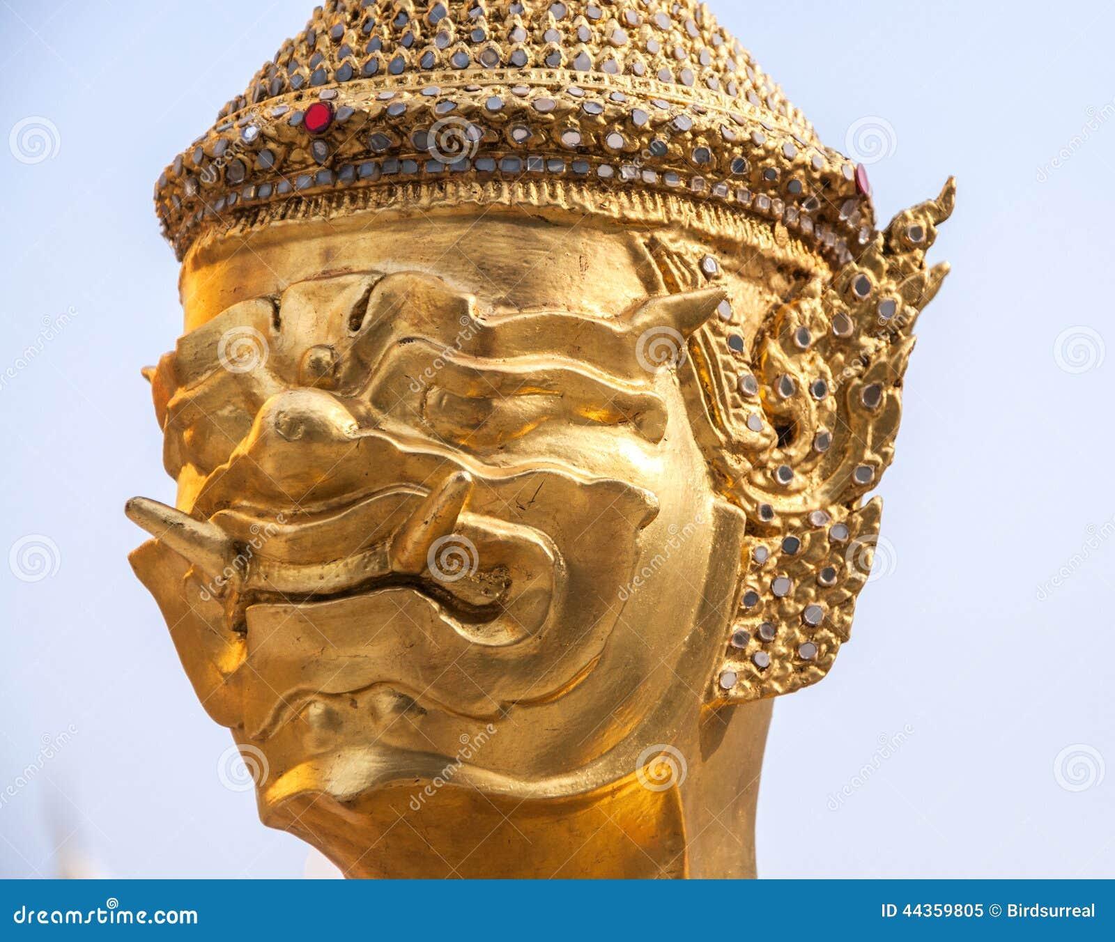 Statua di un kinnara in Wat Phra Kaew