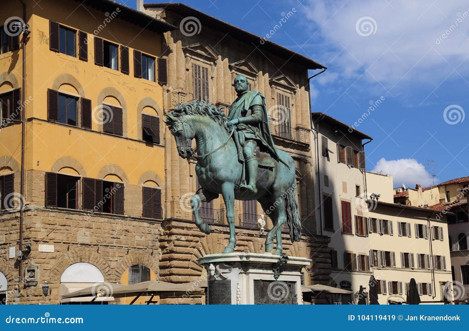 Statua equestre di Cosimo I a Firenze, Italia
