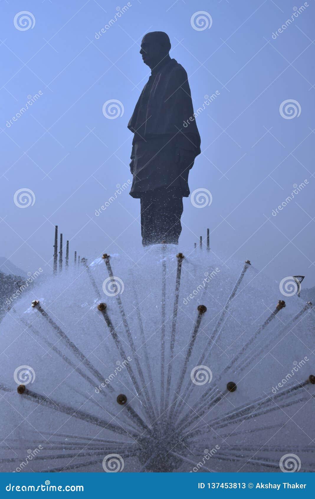 Statua jedność świat statuy wysoki wzrost 182 metru otwierał ostatnio