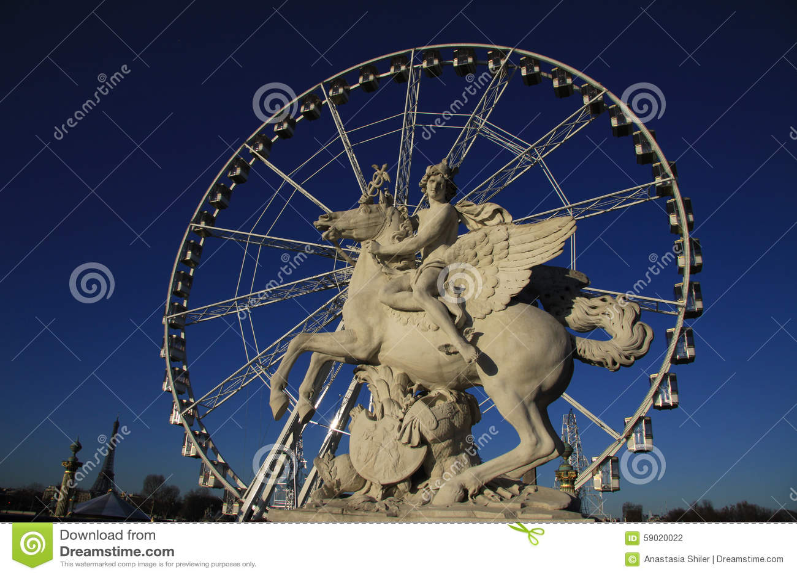 Statua królewiątko sława jeździecki pegaz na miejscu De Los angeles Concorde z ferris kołem przy tłem, Paryż, Francja
