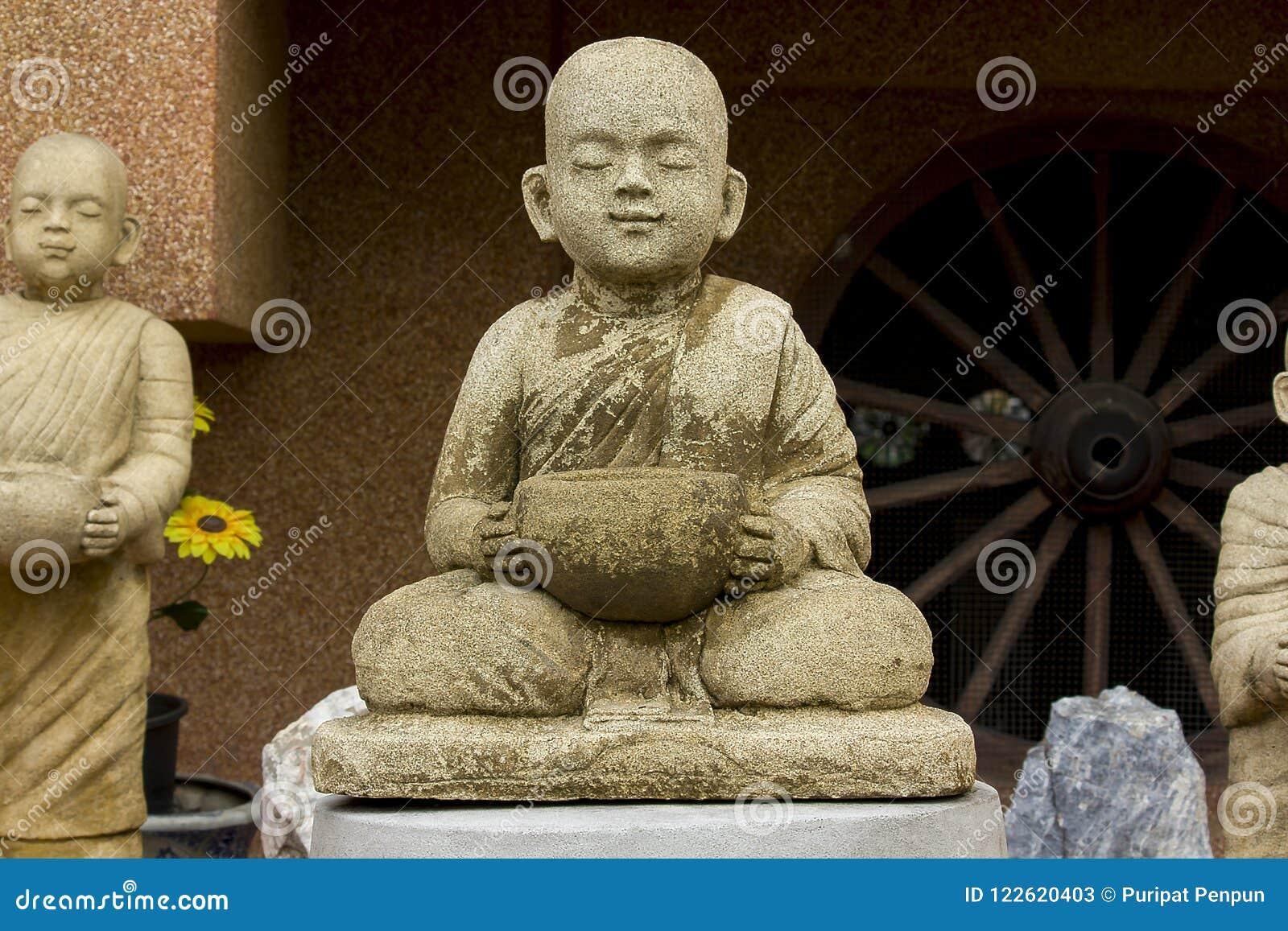 Statua michaelita medytować