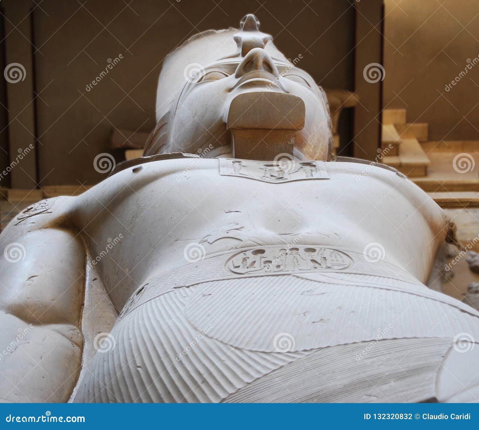 Statua Pharaoh