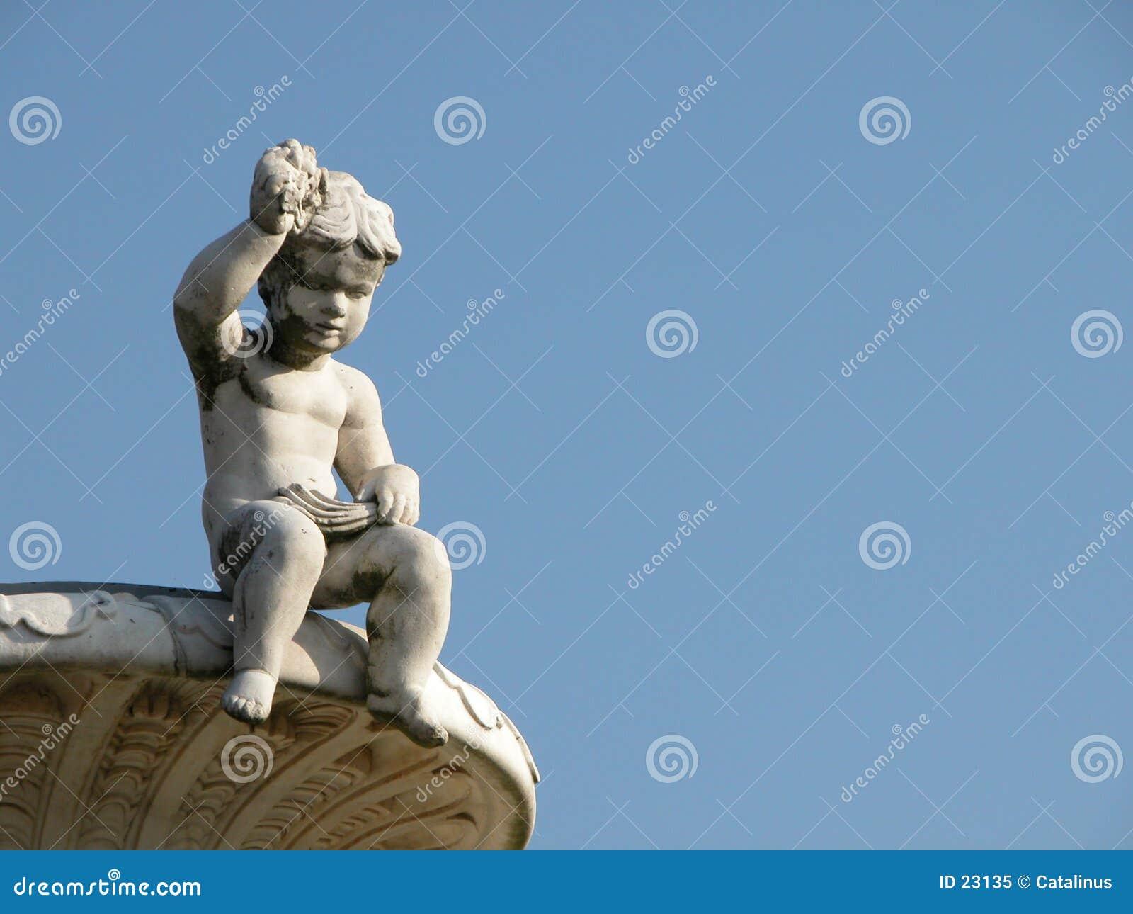 Statue d un enfant