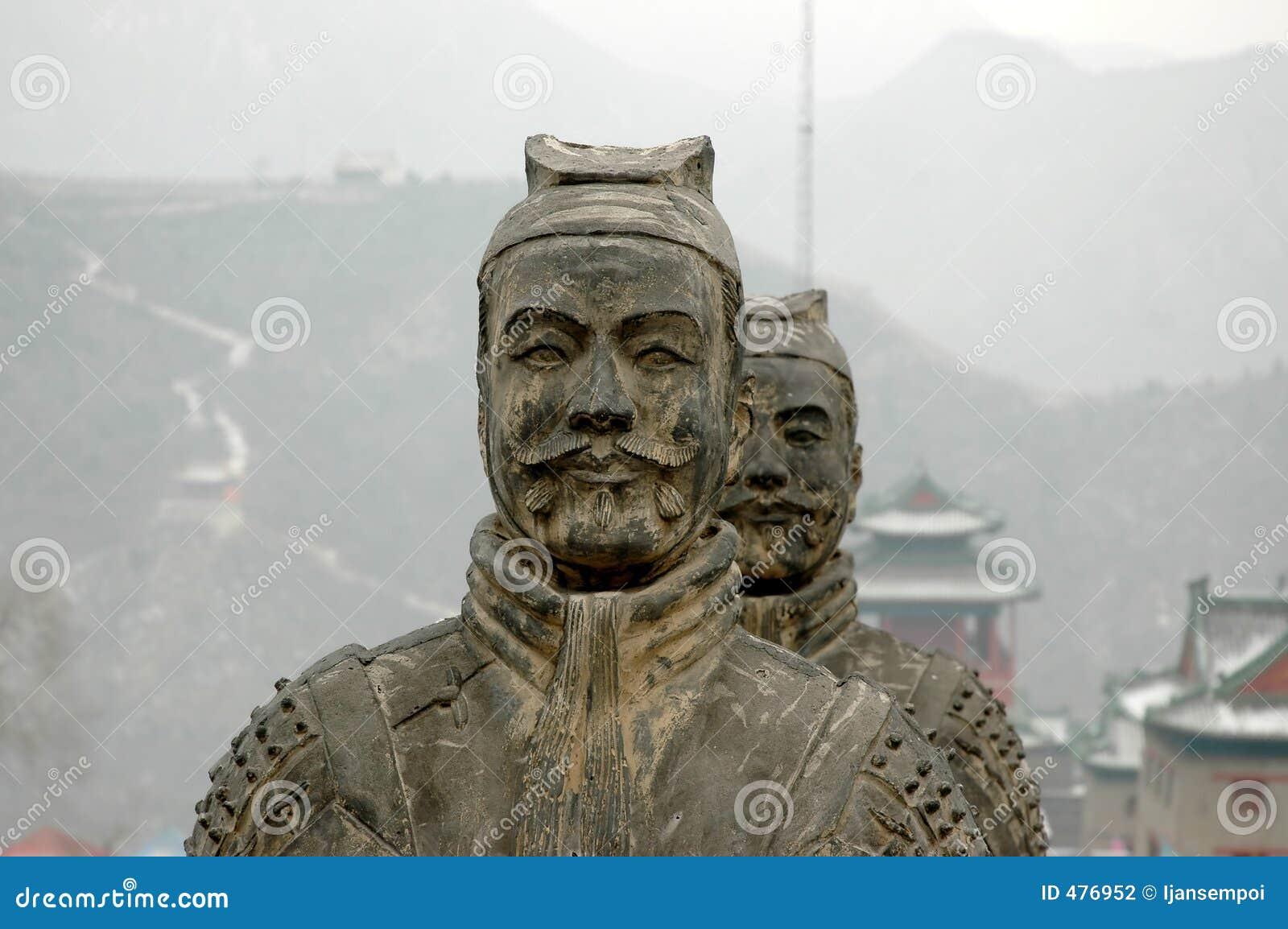 Statue de guerrier